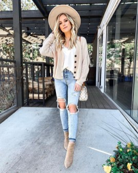 Fabulous Spring Outfits Ideas To Wear Now45