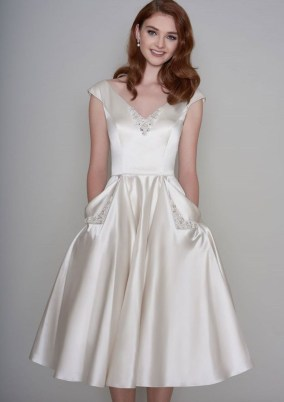 Gorgeous Tea Length Wedding Dresses Ideas15