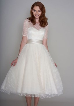 Gorgeous Tea Length Wedding Dresses Ideas43