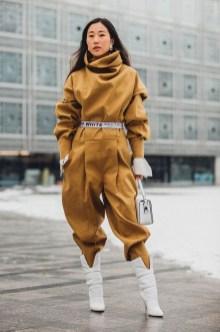 Inspiring Street Style Ideas For Women02