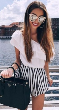 Latest Summer Outfit Ideas For Womens29