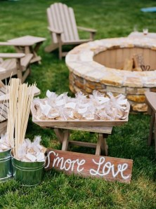 Pretty Backyard Reception Decoration Ideas27