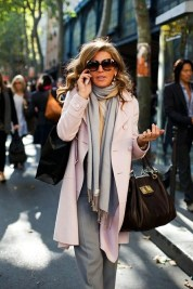 Best Ideas To Wear A Scarf Stylishly This Spring31