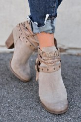 Best Ideas To Wear Wide Ankle Boots This Spring11