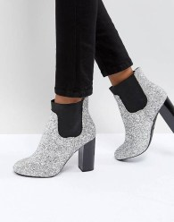 Best Ideas To Wear Wide Ankle Boots This Spring18