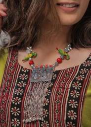 Cool Neckpieces Ideas For Women24