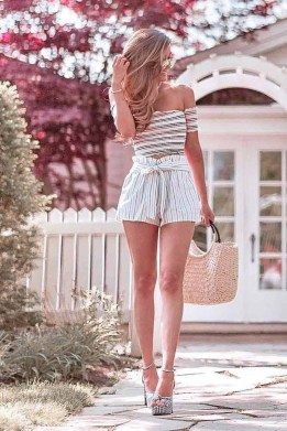 Excellent Spring Fashion Outfits Ideas For Teen Girls26
