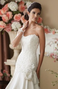 Newest Lace Sweetheart Wedding Dresses Ideas For Spring04