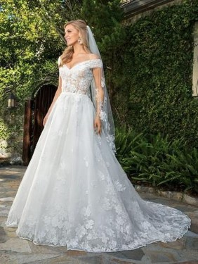 Newest Lace Sweetheart Wedding Dresses Ideas For Spring06