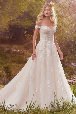 Newest Lace Sweetheart Wedding Dresses Ideas For Spring09