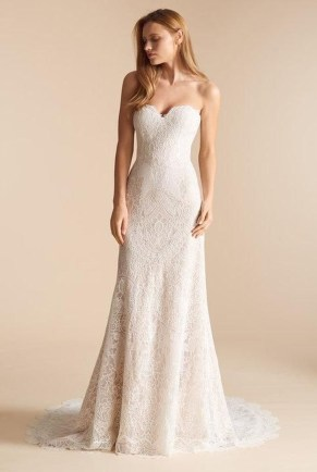 Newest Lace Sweetheart Wedding Dresses Ideas For Spring15