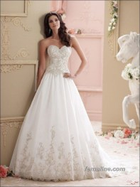 Newest Lace Sweetheart Wedding Dresses Ideas For Spring28