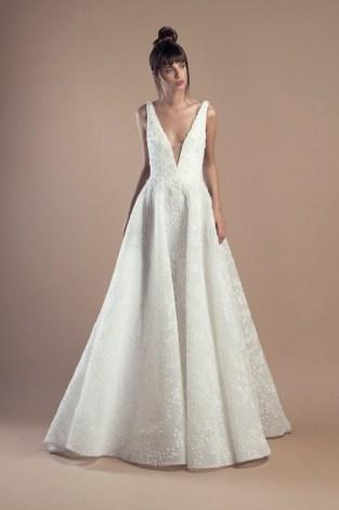 Pretty V Neck Tulle Wedding Dress Ideas For 201912