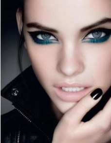 Stunning Eyeliner Makeup Ideas For Women47