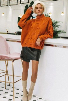 Unusual Orange Outfit Ideas For Women06