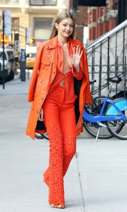 Unusual Orange Outfit Ideas For Women09