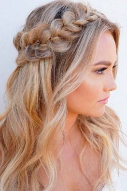 Captivating Boho Hairstyle Ideas For Curly And Straight Hair16