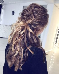 Captivating Boho Hairstyle Ideas For Curly And Straight Hair20