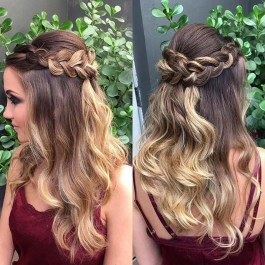 Captivating Boho Hairstyle Ideas For Curly And Straight Hair28