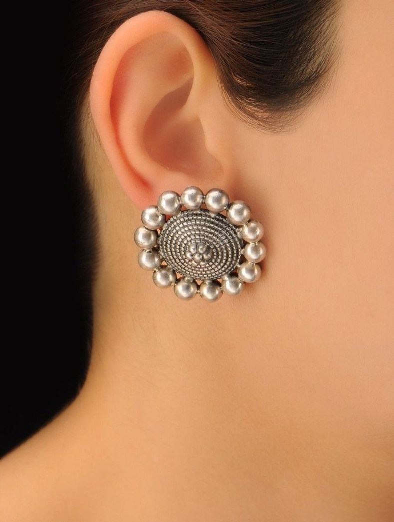 Captivating Silver Accessories Ideas For Add In Your Appearance43
