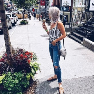 Creative Summer Style Ideas With Ripped Jeans26