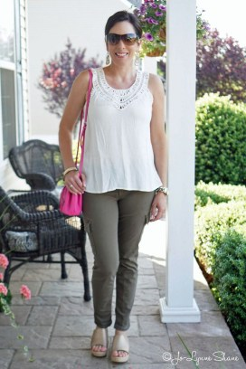 Elegant Summer Outfits Ideas For Women Over 40 Years Old06