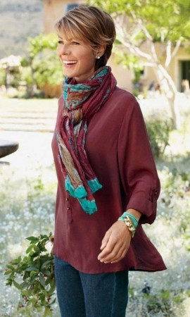 Elegant Summer Outfits Ideas For Women Over 40 Years Old15