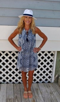 Elegant Summer Outfits Ideas For Women Over 40 Years Old19