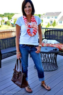 Elegant Summer Outfits Ideas For Women Over 40 Years Old32