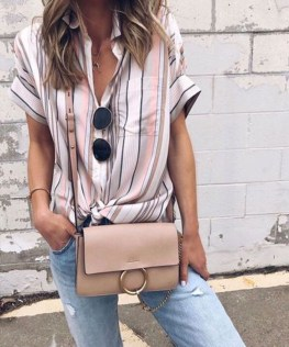 Elegant Summer Outfits Ideas For Women Over 40 Years Old37