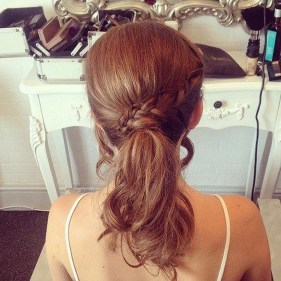 Fashionable Hairstyle Ideas For Summer Wedding Guest04