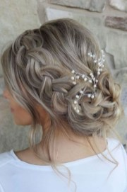 Rustic Hairstyle Ideas For Wedding25