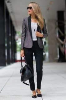 Stylish Outfits Ideas For Professional Women05