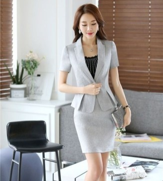 Stylish Outfits Ideas For Professional Women08