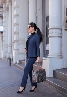 Stylish Outfits Ideas For Professional Women28