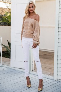 Affordable Women Outfit Ideas For Summer With Sweaters19