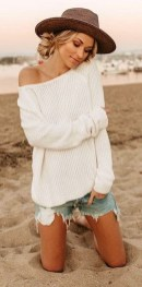 Affordable Women Outfit Ideas For Summer With Sweaters27