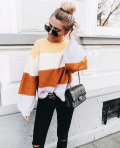 Affordable Women Outfit Ideas For Summer With Sweaters31