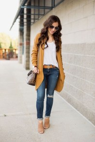 Affordable Women Outfit Ideas For Summer With Sweaters33