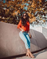 Affordable Women Outfit Ideas For Summer With Sweaters35