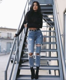 Affordable Women Outfit Ideas For Summer With Sweaters39