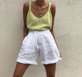 Charming Minimalist Outfits Ideas To Inspire Your Style03