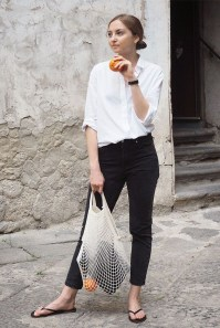 Charming Minimalist Outfits Ideas To Inspire Your Style12