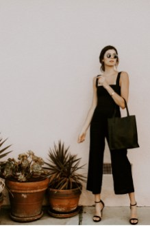 Charming Minimalist Outfits Ideas To Inspire Your Style19