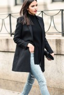 Charming Minimalist Outfits Ideas To Inspire Your Style28