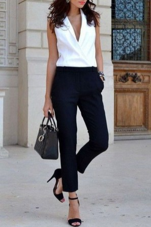Creative Work Outfits Ideas For Womens27
