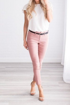 Fabulous Summer Work Outfits Ideas For Women09