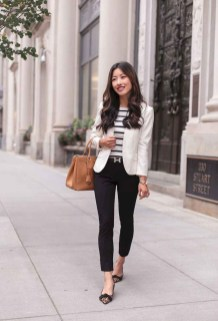 Fabulous Summer Work Outfits Ideas For Women37