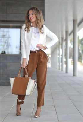 Fabulous Summer Work Outfits Ideas For Women42