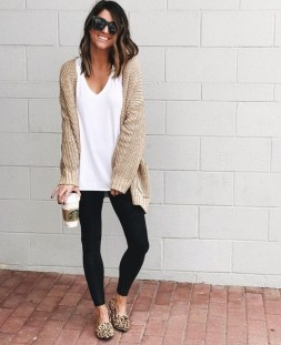 Inspiring Summer Outfits Ideas With Leggings To Try12
